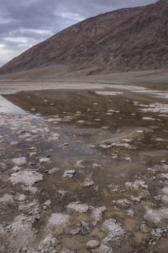 death valley california - Badwater, un tout petit peu d'eau