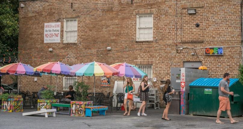 Visiter Savannah Georgie - bar et parasols
