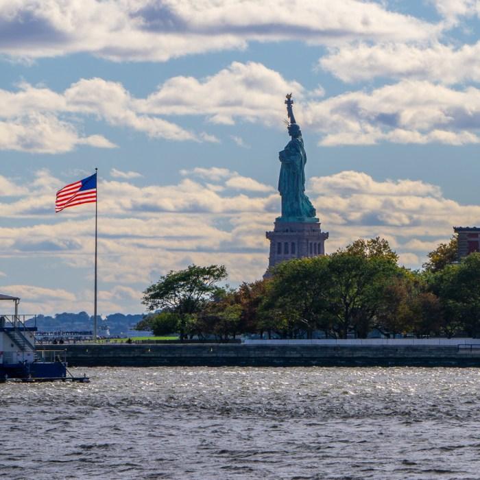 La statue de la liberte depuis ellis island 1