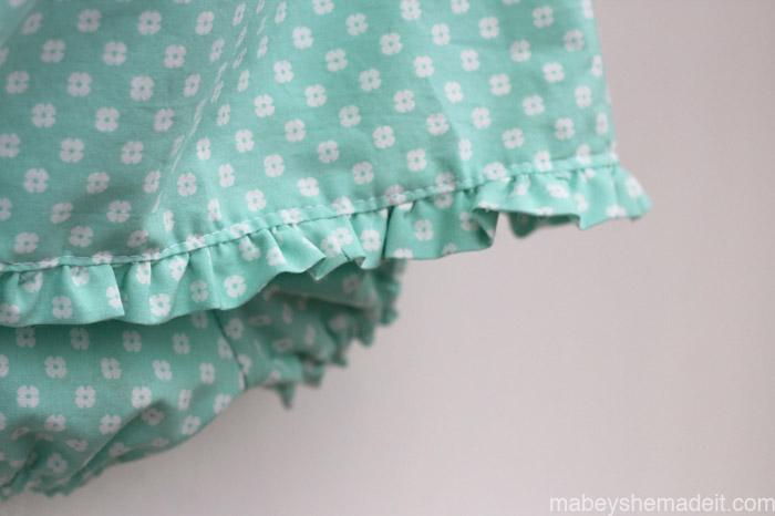 Ruffled Peasant Dress & Bloomers | Mabey She Made It #nestingtonewborns #baby #sewing #peasantdress