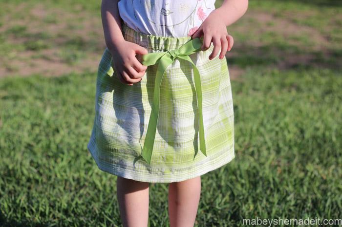 Basic Skirt | Mabey She Made It #sewing #easyskirt #sewingforkids