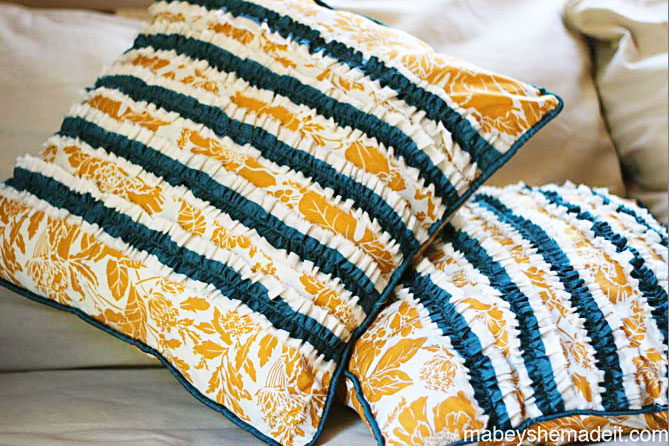 Learn to make these fun ruffled and piped pillow shams with this step-by-step sewing tutorial.