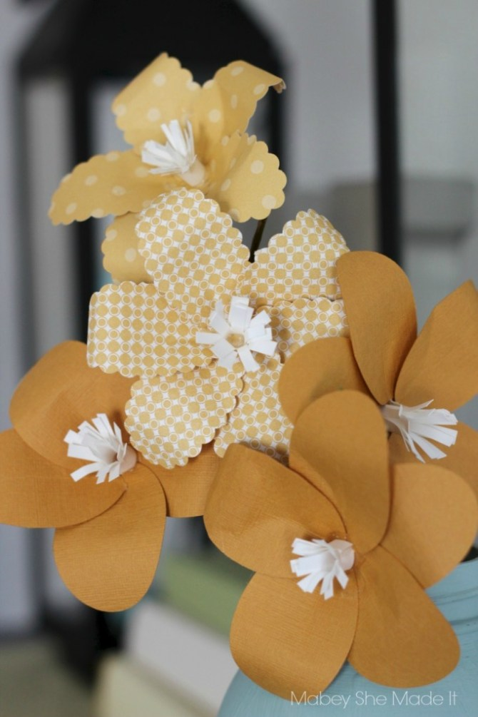 Paper Plumeria Tutorial | Mabey She Made It | #papercrafts #flowers #plumeria