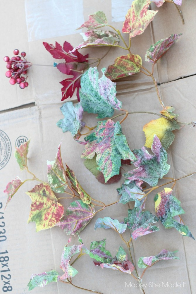 Easy Fall Wreath | Mabey She Made It | #fall #autumn #falldecor #wreath