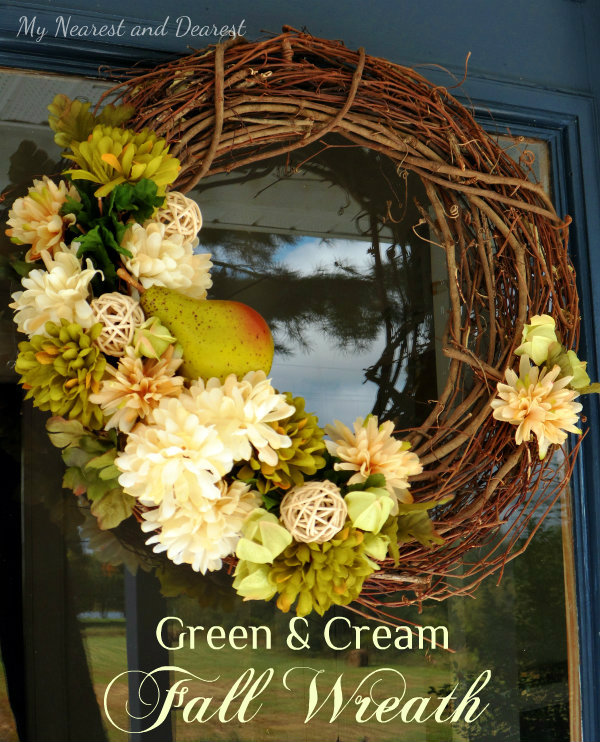 Green-and-Cream-DIY-Fall-Wreath.-This-would-look-fresh-in-spring-and-summer-too.