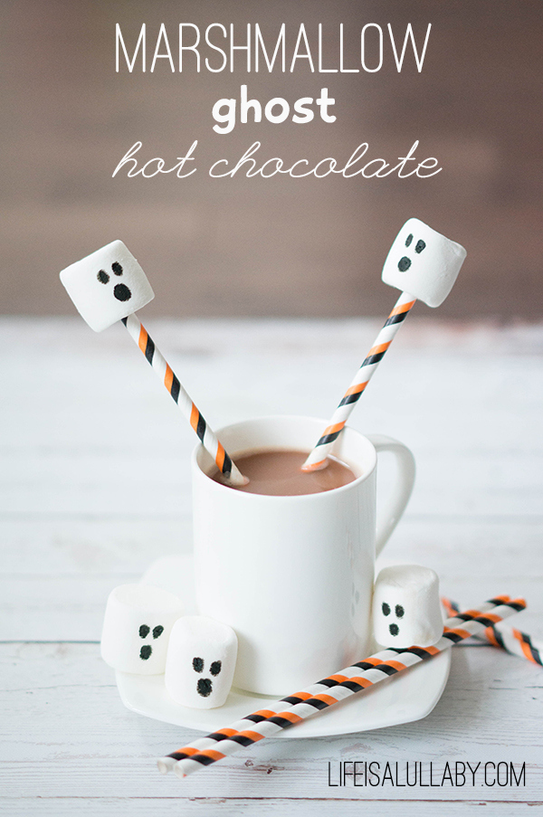 Marshmallow-Ghost-Hot-Chocolate-for-Halloween
