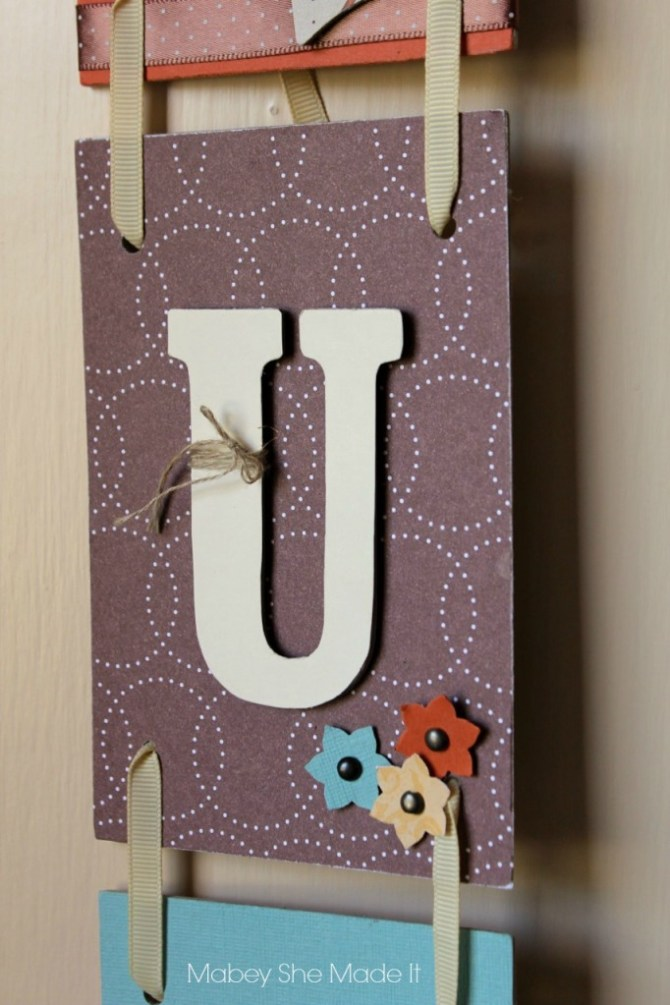 Thankful Wall Banner | Mabey She Made It | #thankful #papercrafting #thanksgiving