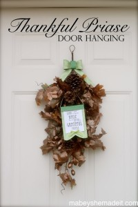 Thankful Praise Door Hanging for Thanksgiving | Mabey She Made It | #thanksgiving #gratitude #doordecor