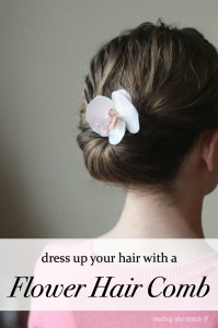 Glamorous Flower Combs | Mabey She Made It | #makeitgiveit #flower #hair #updo #DIY