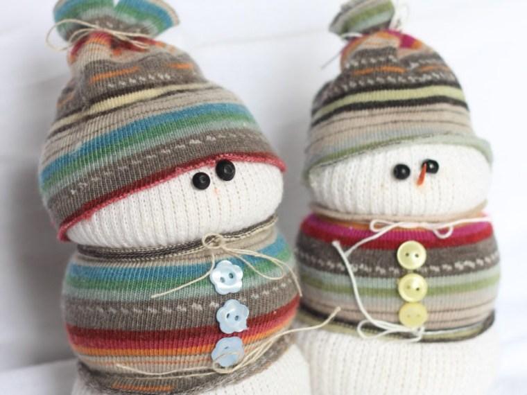 Sock Snowman | Mabey She Made It | #sockcrafts #snowman #winter