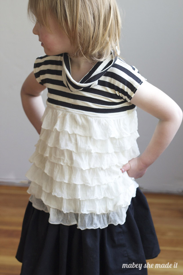 The Jukebox Dress with Rhythm version from the One Thimble e-zine sewn by Mabey She Made It