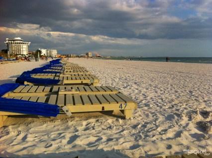 Le plus bel hôtel de la plage est sans aucun doute cette grande tour ronde !