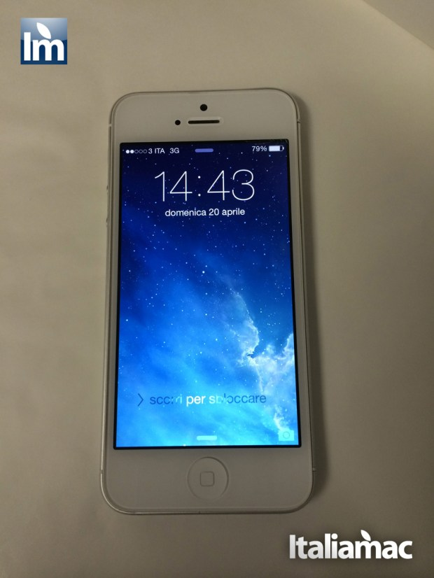 iPhone5_Front_curvato
