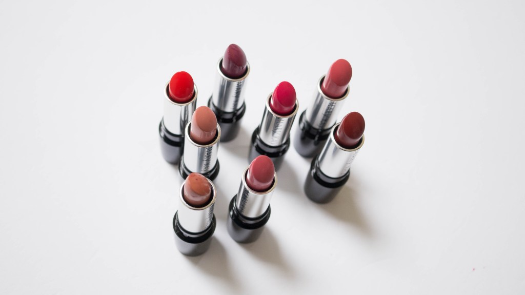 Mary Kay Gel Semi-Matte Lipstick review swatches (1 of 10)