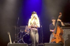 Samstagabend AMERICAN COUNTRY NIGHT mit Meg Pfeiffer