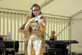 Linda The Best Country Fiddle Player