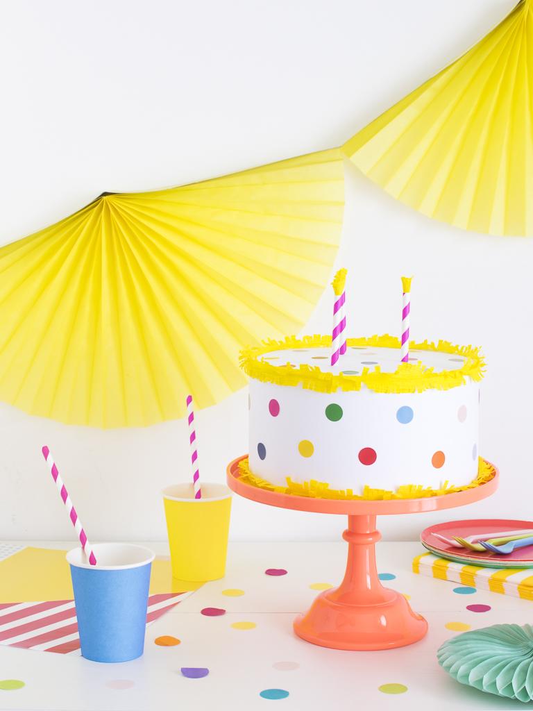 torta finta tavola