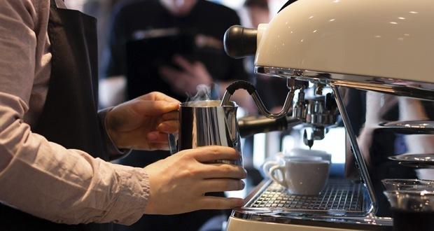 montare latte cappuccino