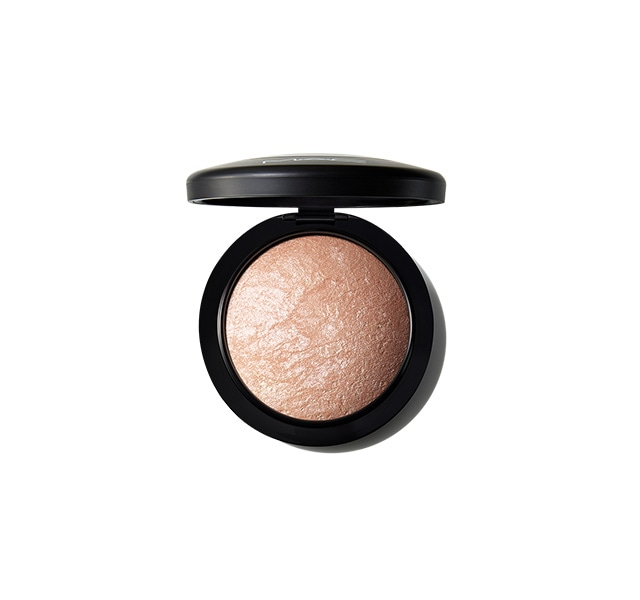 M.A.C. Mineralize Skinfinish Highlighter Poeder – Cheeky Bronze