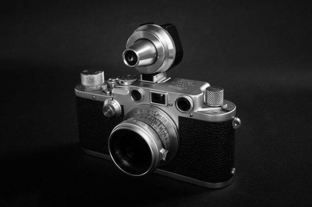 Leica IIIf with 3.5cm Summaron, universal viewfinder, orange filter and OKARO