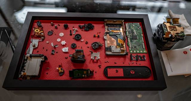 The components are laid out in a pre-determined order which is an aid for re-assembly, particularly when dealing with a new camera.