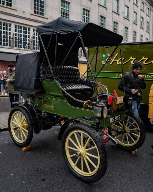 One of the earliest Harrods floats, although I suspect this one is petrol engined