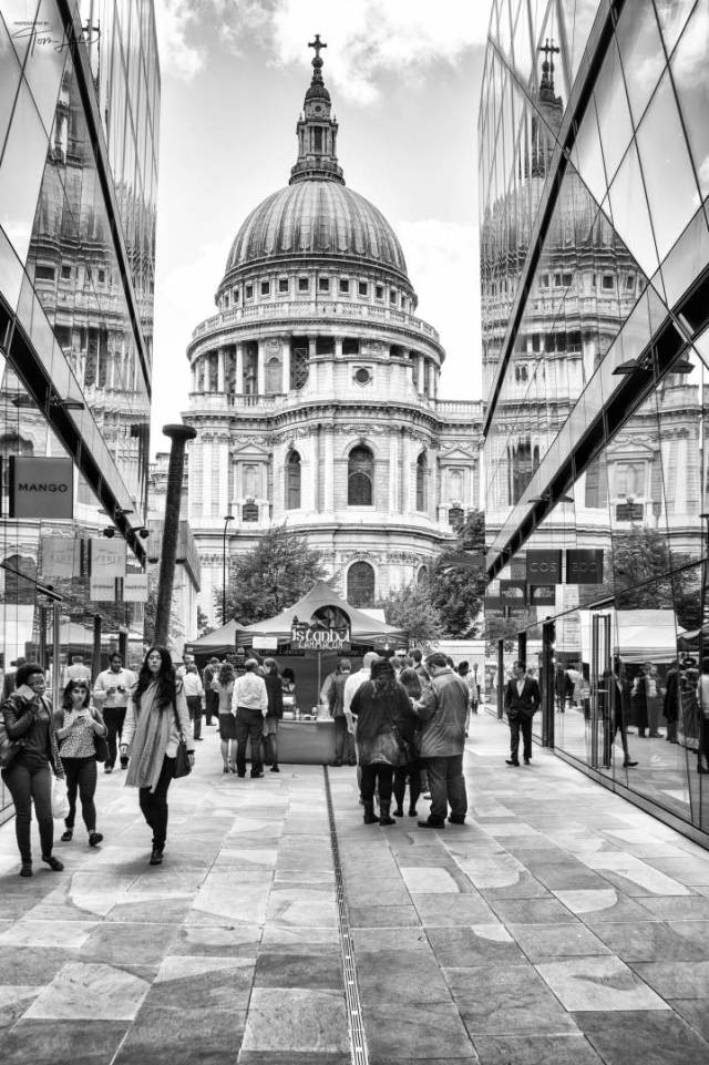 St Paul's, London (Leica Monchrom with 35mm Summicron ASPH)