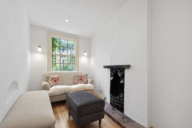 Sitting in comfort (Winkworth)