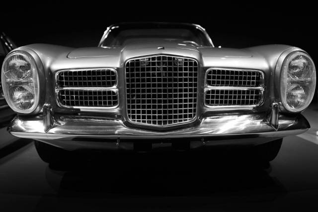 Dominating front of the french Facel Vega [Leica Q]