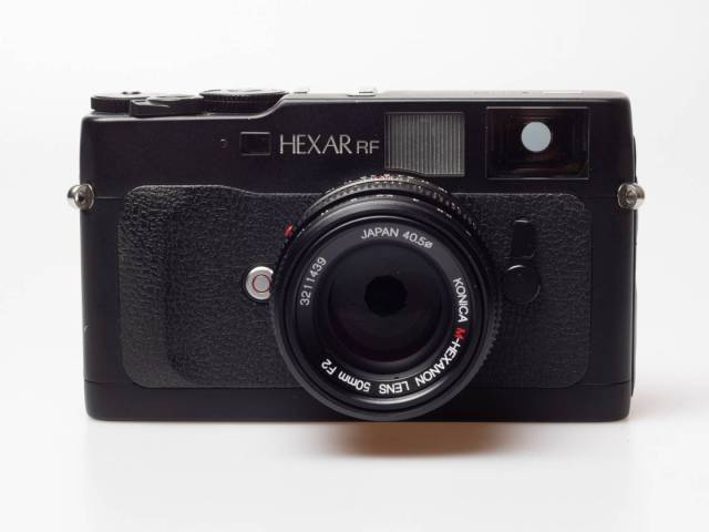 A thoroughly modern rangefinder camera: Konica released the Hexar RF in 1999 only to discontinue it again in 2003. It as motorised film transport and a state-of-the-art electronically controlled metal blade shutter with speeds up to 1/4000 second.