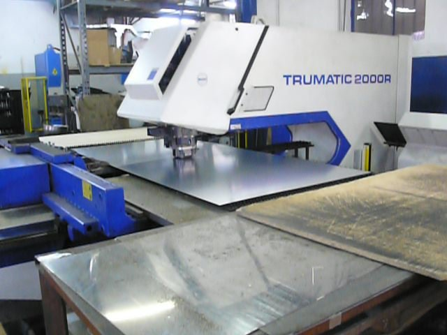 Punzonatrice Trumpf Trumatic 2000R usata in vendita