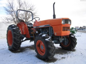 1979 Kubota L345 Tractors  Compact (140hp)  John Deere