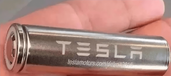 Power battery positive and negative pole pillar welding