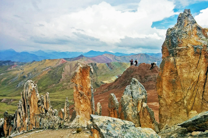 Alternative Rainbow Mountain Trek to Palccoyo