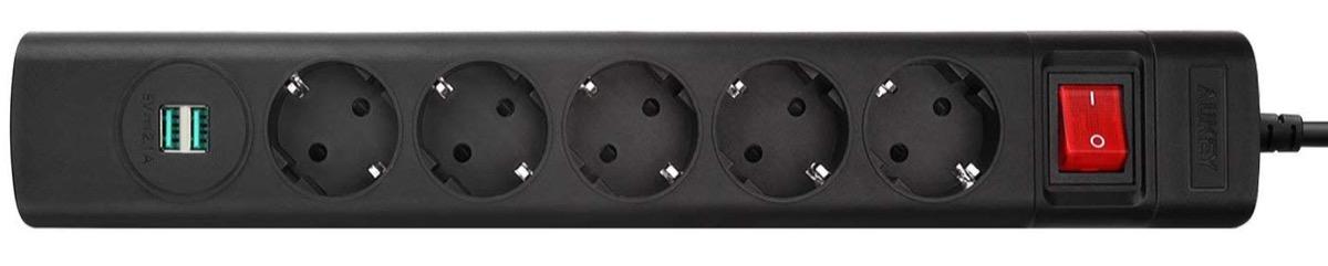 Ciabatta elettrica con 5 prese Schuko e 2 USB in sconto a soli 5,99 euro