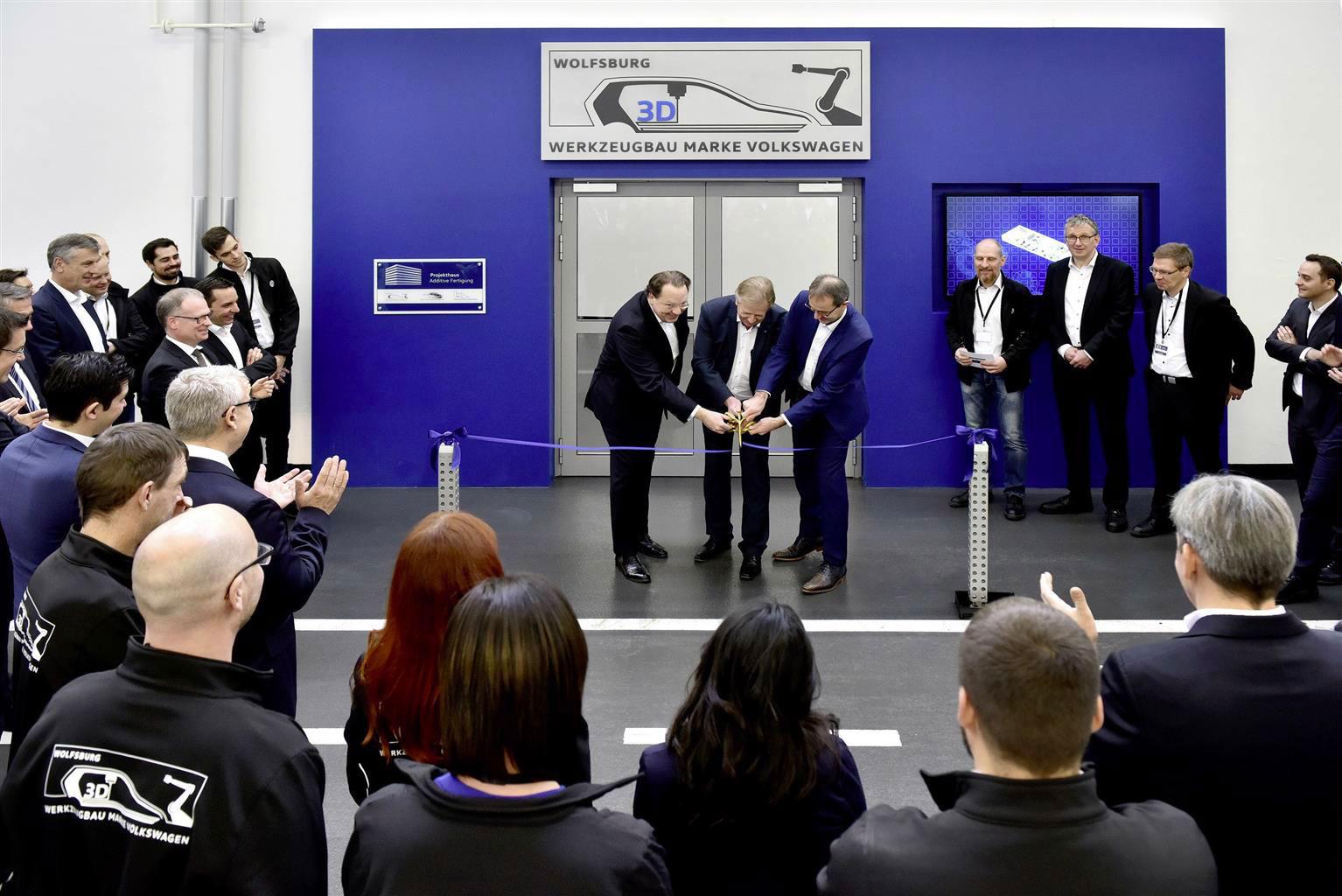 L'inaugurazone del nuovo Reparto Utensili della Volkswagen