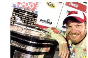 How NASCAR is Building Its Fanbase With Social Media