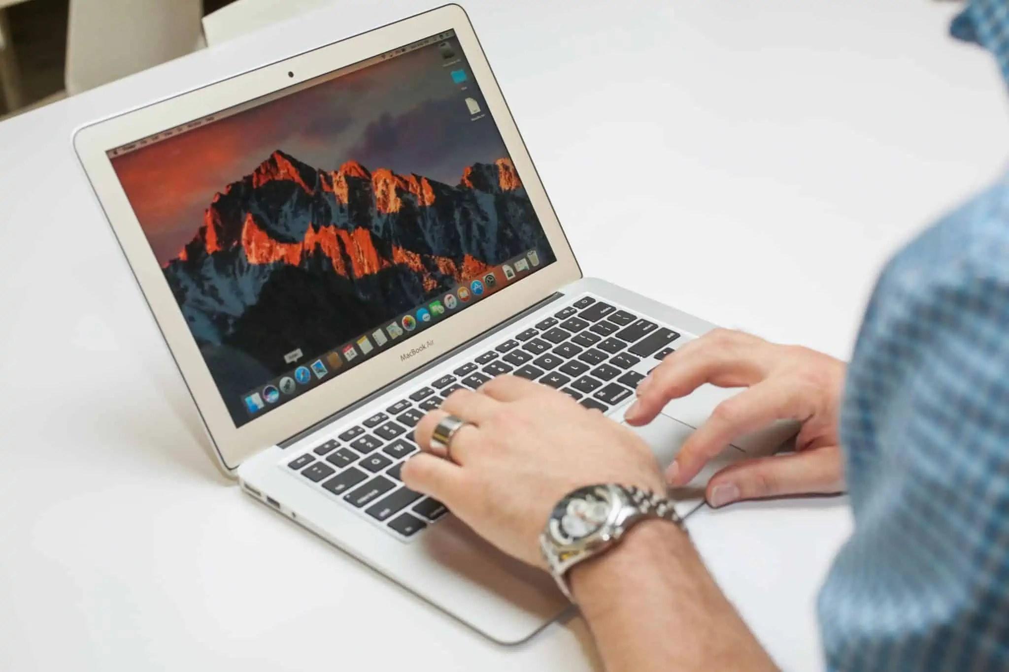 apple-macbook-air-2017-21