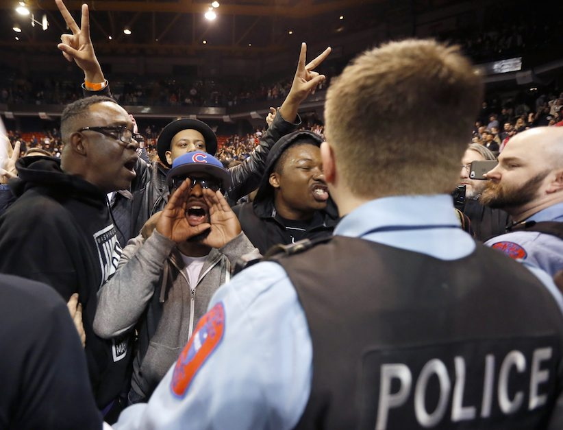 Image result for CHICAGO RIOT TRUMP cops