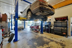 automotive lifts for mechanics