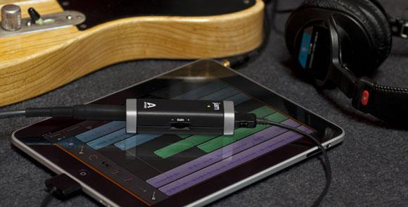 Apogee JAM with iPad