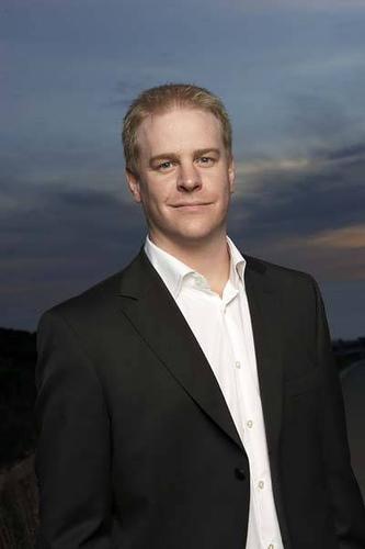 Erick Lindgren Bio
