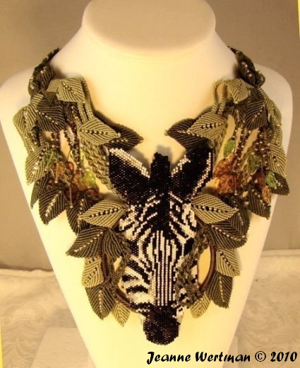 Another beautiful macrame necklace from Jeanne Wertman. It uses the same leaf pattern.