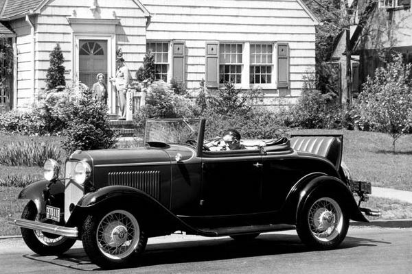 1932 Ford Cabriolet top down