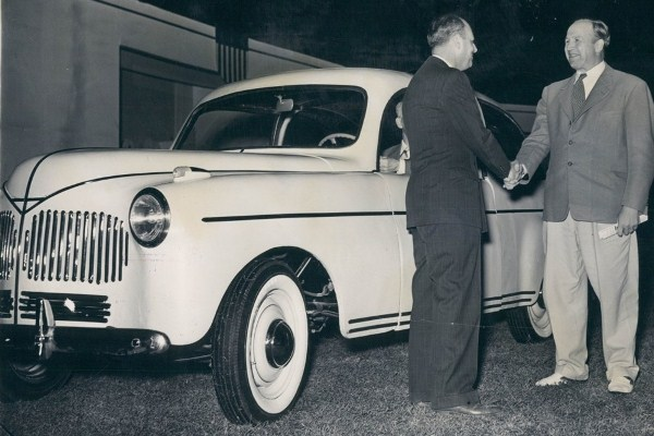 Ford soybean car handshake