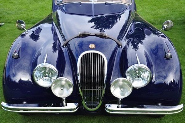 Jaguar XK120 front