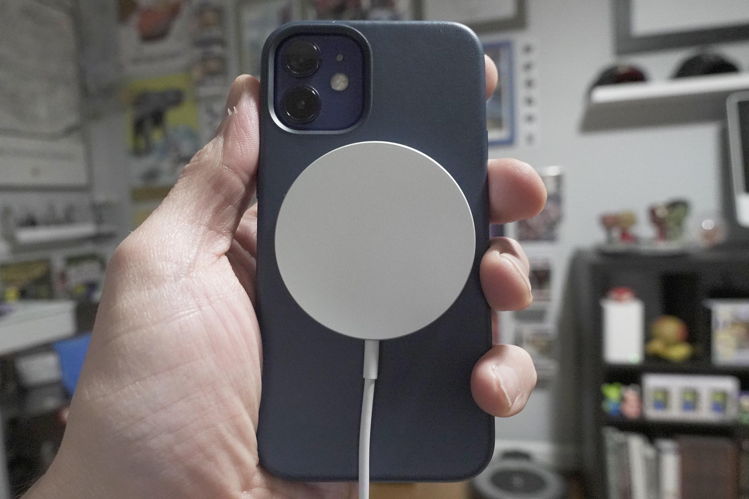 magsafe charger case 100866528 orig 2