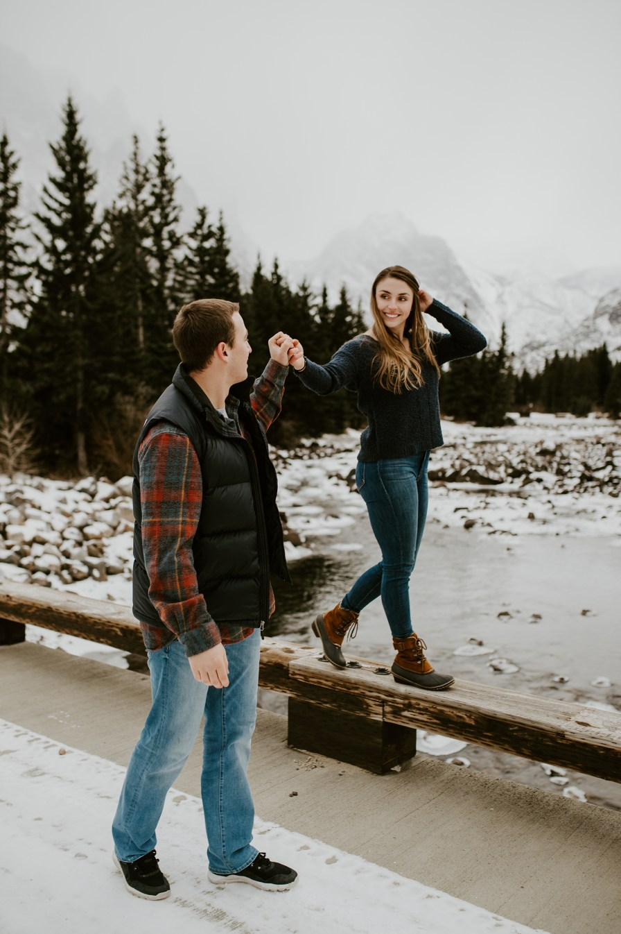Winter Engagement Session Outfit What To Wear Macy Spencer Photography