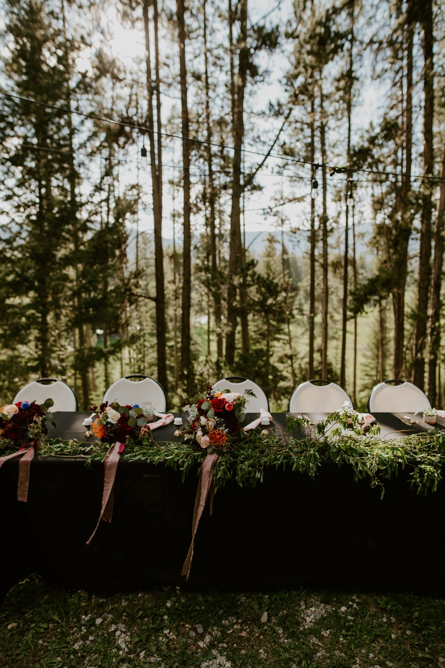 woodsy wedding decor