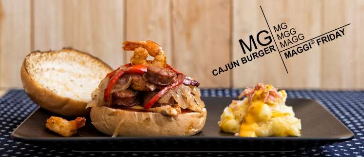 Burger με κοτόπουλο, γαρίδες & λουκάνικο!